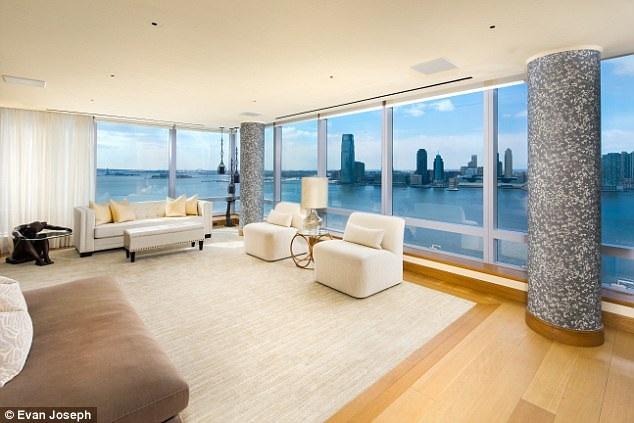 Căn hộ của siêu mẫu 43 tuổi gồm có 5 phòng ngủ, view nhìn ra sông Hudson