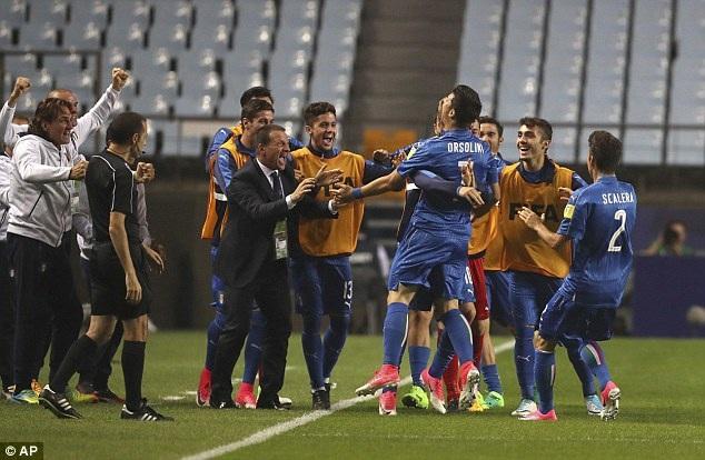 U20 Italia vượt lên dẫn trước ngay ở phút thứ 2