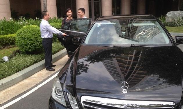 Việc Bộ GTVT trả hồ sơ thực hiện thí điểm, cản và cấm hoạt động Uber bị cho là thiếu cạnh tranh (ảnh minh hoạ)