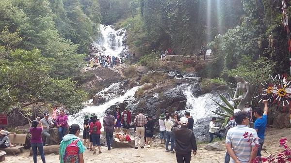Thác Datanla nơi xảy ra tai nạn khiến 3 du khách người Anh tử vong vào năm ngoái
