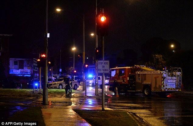 Cảnh sát nhanh chóng tới hiện trường vụ tấn công sau khi nhận được tin báo (Ảnh: AFP)
