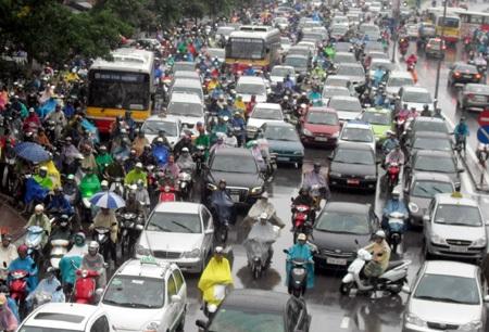 Việc đề xuất giảm tốc độ liệu có làm tăng thêm áp lực về ùn tắc giao thông? (ảnh: Quang Phong)