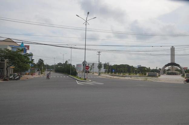 Đường trục chính Khu đô thị mới Điện Nam - Điện Ngọc do Tập đoàn Đất Quảng đầu tư xây dựng.