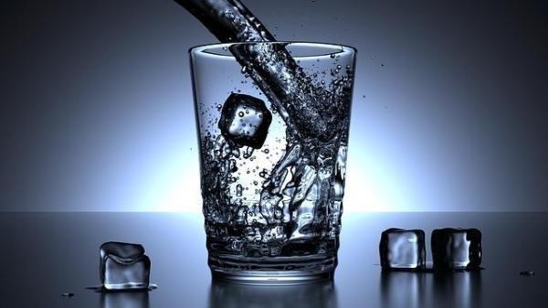 Quan tâm cho trẻ uống nước chống được nguy cơ béo phì - 1
