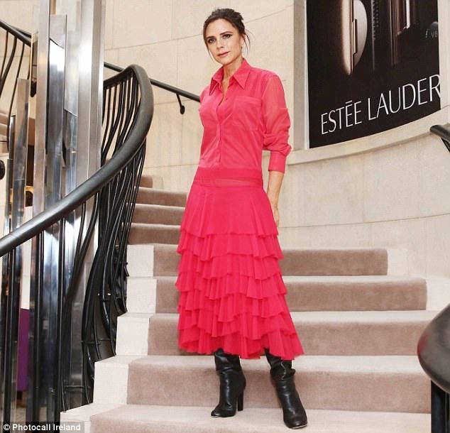 Victoria Beckham dự ra mắt BST mỹ phẩm cô cộng tác sản xuất cùng Estee Lauder tại Dublin, Ireland ngày 4/10 vừa qua