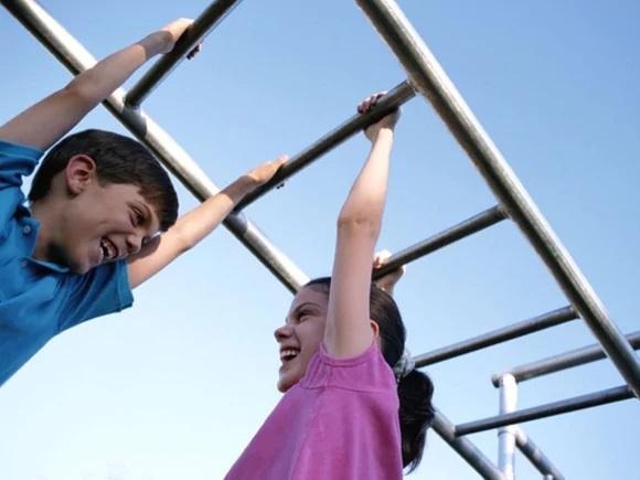 Thay thế tập thể dục nhẹ bằng hoạt động mạnh có thể mang lại lợi ích cho trẻ.