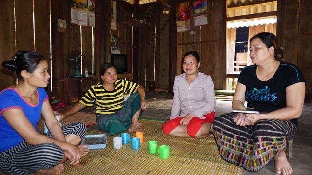 Dừng lại ở 2 con giúp phụ nữ vùng biên giới Thông Thụ có điều kiện chăm sóc, nuôi dạy con cái tốt hơn. Ngoài ra, họ cũng có thời gian tham gia các hoạt động đoàn thể tại địa phương hơn trước