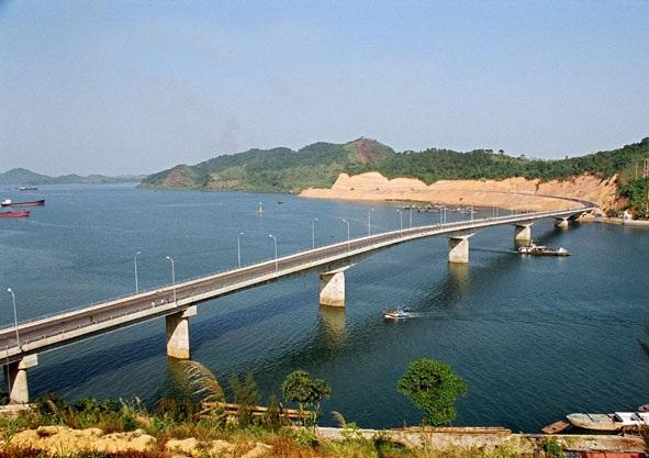 Một góc huyện đảo Vân Đồn nơi được xác định xây dựng Đặc khu kinh tế duy nhất tại phía Bắc.