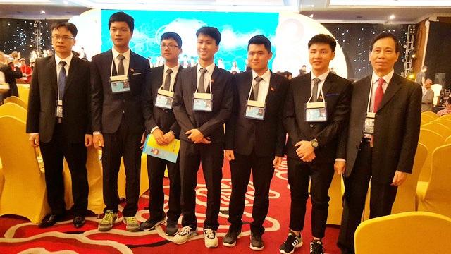 Việt Nam tiếp tục đoạt 4 Huy chương vàng Olympic Vật lí quốc tế 2017 - 1
