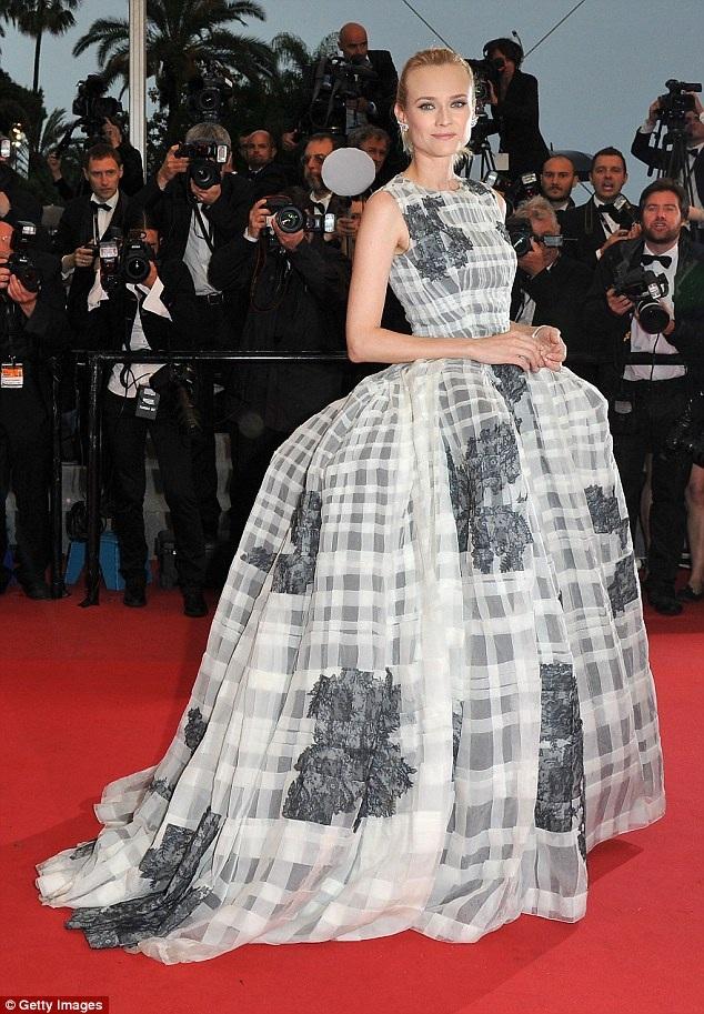 Diane Kruger kiêu sa dự LHP Cannes 2012 trong bộ váy của Christian Dior