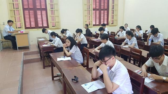 Thí sinh chuẩn bị bước vào thi môn Ngữ Văn