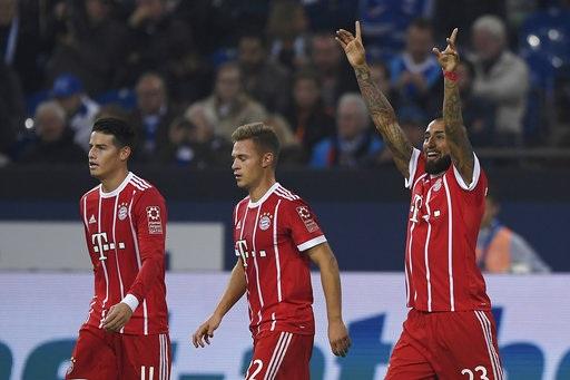 Bayern Munich vùi dập Schalke ngay trên sân khách