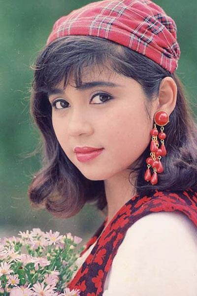 Việt Trinh được coi là một trong những minh tinh màn bạc thập niên 1990.
