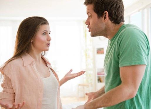 Tôi muốn vay 400 triệu xây mộ cho bố mẹ nhưng vợ phản đối