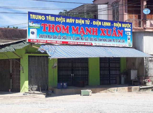 Ki ốt của gia đình bà Oanh hiện giờ không kinh doanh buôn bán sau khi bà này tuyên bố vỡ nợ