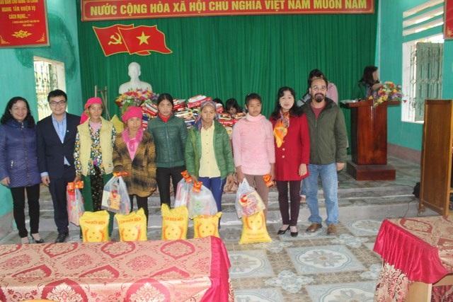 Du học sinh Việt tại Úc tặng quà Tết tới đồng bào vùng cao - 3