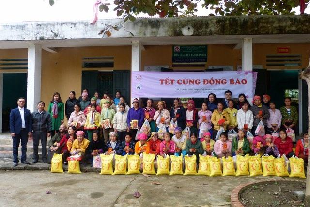 Chương trình Tết với đồng bào tại Hà Giang với 50 phần quà.
