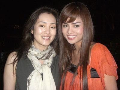 Vũ Thu Phương và diễn viên Củng Lợi trong lần quay phim Shanghai