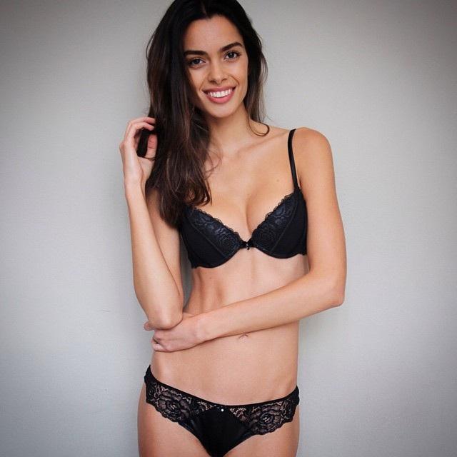 Joana Sanz, bạn gái Alves