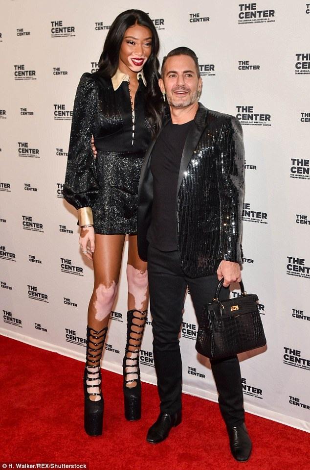 Winnie và Nhà thiết kế của Louis Vuitton Marc Jacobs