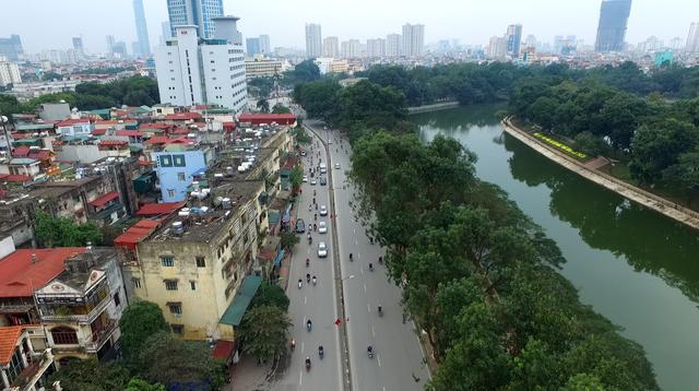 Hàng xà cừ trên đường Kim Mã đã được đánh chuyển về vườn ươm (Ảnh: Hà Trang)