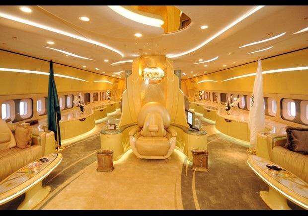 """Vén màn cuộc sống """"dát vàng"""" của Hoàng tử xứ Ả rập - 5"""