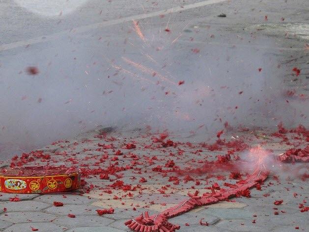 Chủ tịch UBND tỉnh chỉ đạo, địa phương nào để xảy ra đốt pháo...thì người đứng đầu phải chịu trách nhiệm (ảnh minh họa)