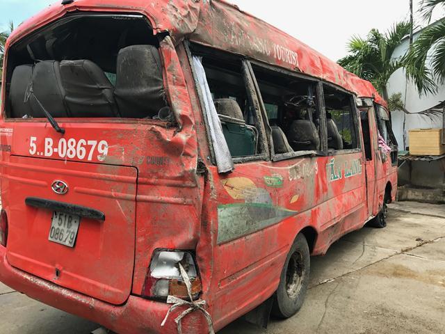 Chiếc xe khách xảy ra tại nạn làm 2 người chết tại chỗ
