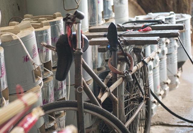 Những chiếc xe đạp quá đát là phương tiện kiếm cơm của không ít người