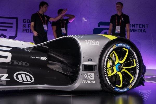 Xe đua tự lái đầu tiên trên thế giới trình làng - 7