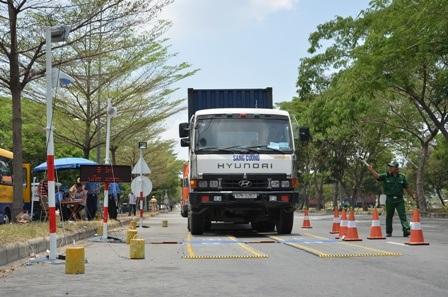 Trong 6 tháng đầu năm, Thanh tra giao thông TP đã xử phạt xe chở quá tải với số tiền gần 18 tỷ đồng