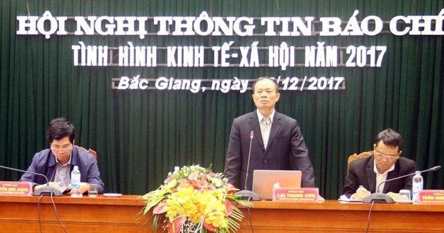 Tại hội nghị thông tin báo chí về tình hình kinh tế xã hội tỉnh Bắc Giang năm 2017, Sở Xây dựng Bắc Giang lại cho rằng trong thành phần hồ sơ xin cấp GPXD không bắt buộc phải nộp báo cáo ĐTM đã được phê duyệt.