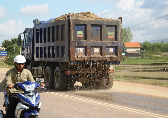 Chủ tịch tỉnh Bình Định chỉ đạo xử lý tình trạng xe quá tải trên QL 19