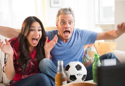 Khi phụ nữ xem bóng đá - 1