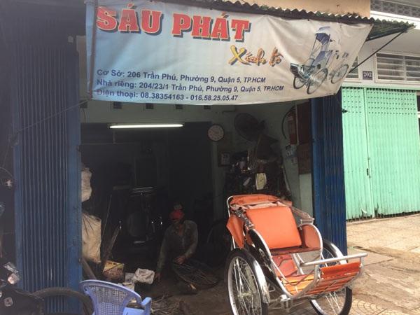 Tiệm sửa xích lô của ông Hồ Tấn Phát.