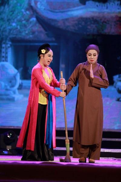 Trích đoạn chèo Thị Mầu lên chùa do NSƯT Thu Huyền và các nghệ sĩ Nhà hát Chèo Hà Nội biểu diễn.