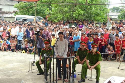 Một phiên xét xử lưu động tại tỉnh Hòa Bình