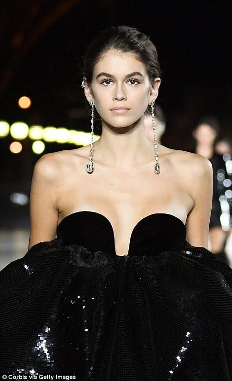 Kaia đang rất hot sau khi xuất hiện tại tuần lễ thời trang New York, London và Milan