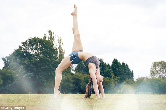 Các nhà nghiên cứu khẳng định yoga an toàn và hiệu quả như vật lý trị liệu trong phục hồi chức năng và giảm đau ở những bệnh nhân đau thắt lưng mãn
