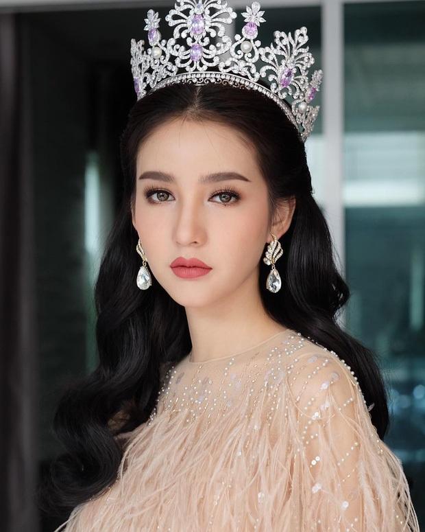 """Ngẩn ngơ ngắm gương mặt """"không góc chết"""" của tân hoa hậu chuyển giới Thái Lan - 4"""