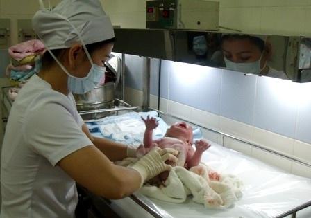 Trẻ chào đời khỏe mạnh sẽ góp phần nâng cao chất lượng dân số