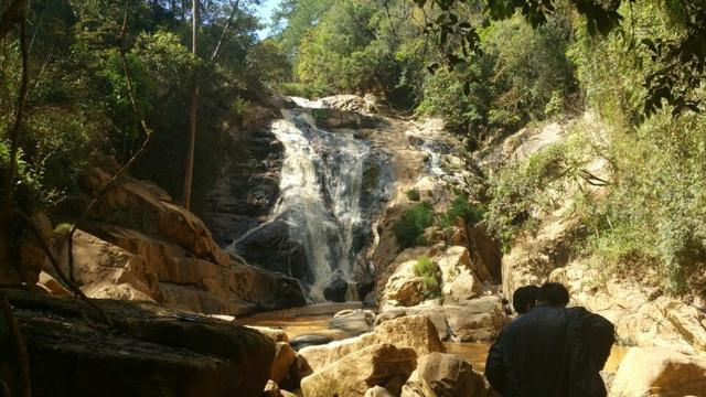 Ngày 23/2/2017, trong lúc đang tham quan tại khu du lịch thác Hang Cọp, thành phố Đà Lạt, 01 du khách nước ngoài và 01 hướng dẫn viên người Đà Lạt đã bị rơi xuống thác và tử vong.