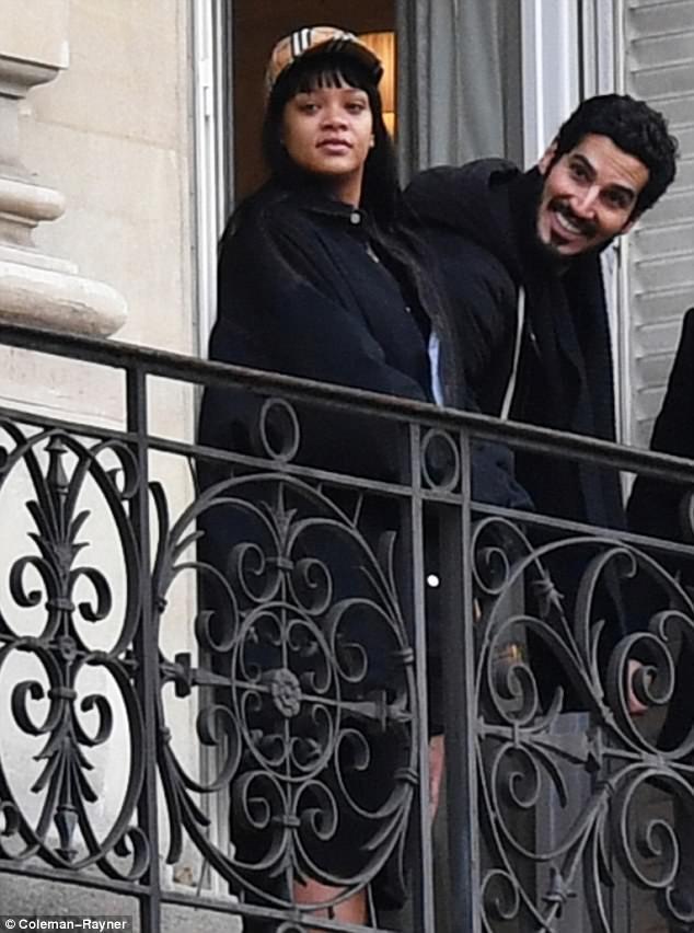 Rihanna xuất hiện cùng bạn trai Hassan Jameel tại Paris ngày 14/1 vừa qua