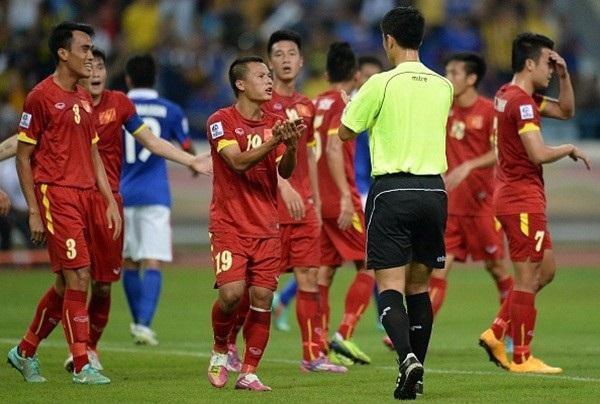 Trọng tài Ma Ning bắt chính trong hai trận đấu có các đội tuyển Việt Nam và ba trận có đại diện các CLB Việt Nam