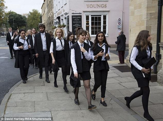 ĐH Oxford tăng thời gian thi Toán và Khoa học Máy tính vì các nữ sinh - 1