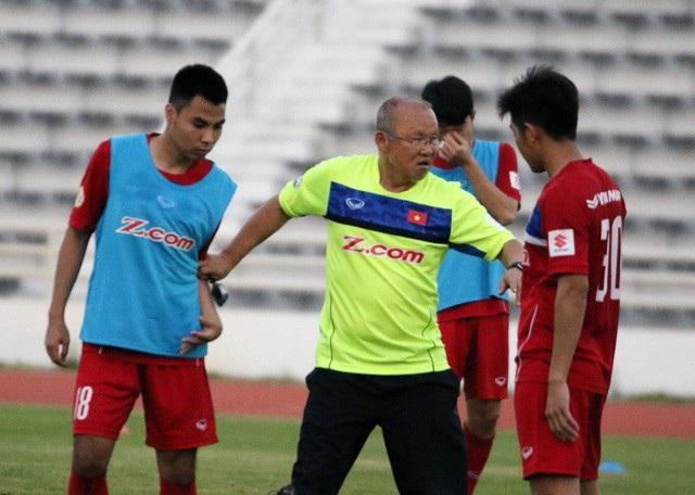 HLV Park Hang Seo và các cầu thủ đội tuyển U23 Việt Nam.