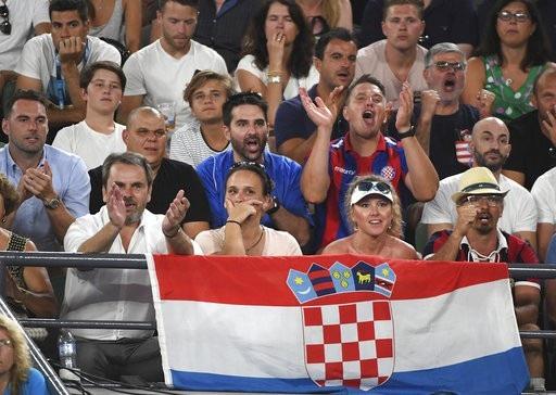 Người ủng hộ của Cilic trong trận đấu gặp Federer