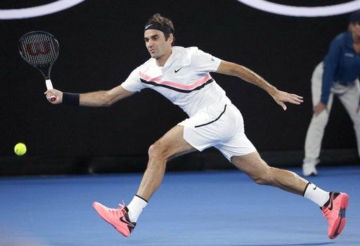 Federer trong nỗ lực đánh bóng đáp trả trước Cilic