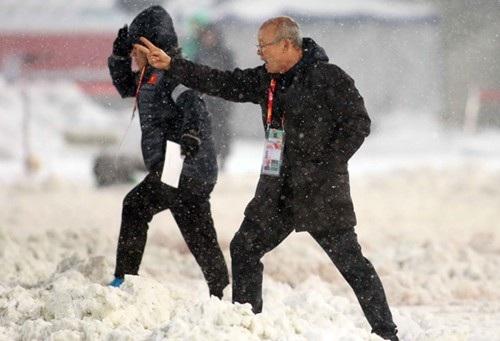 HLV Park Hang Seo nhận được lời chúc mừng từ Tổng thống Hàn Quốc, Moon Jae In