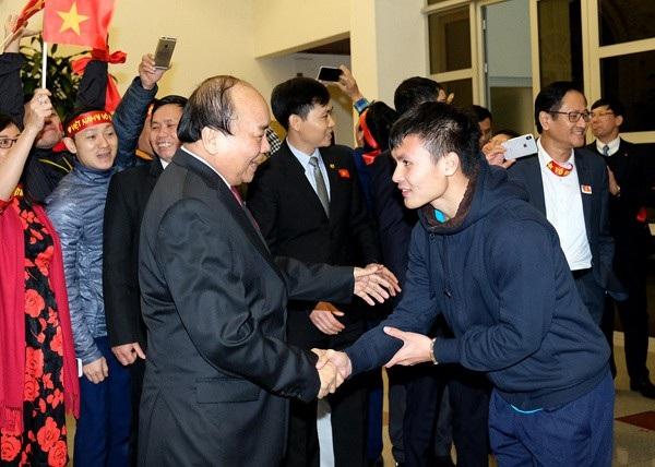 Thủ tướng biểu dương thành tích của cầu thủ Nguyễn Quang Hải